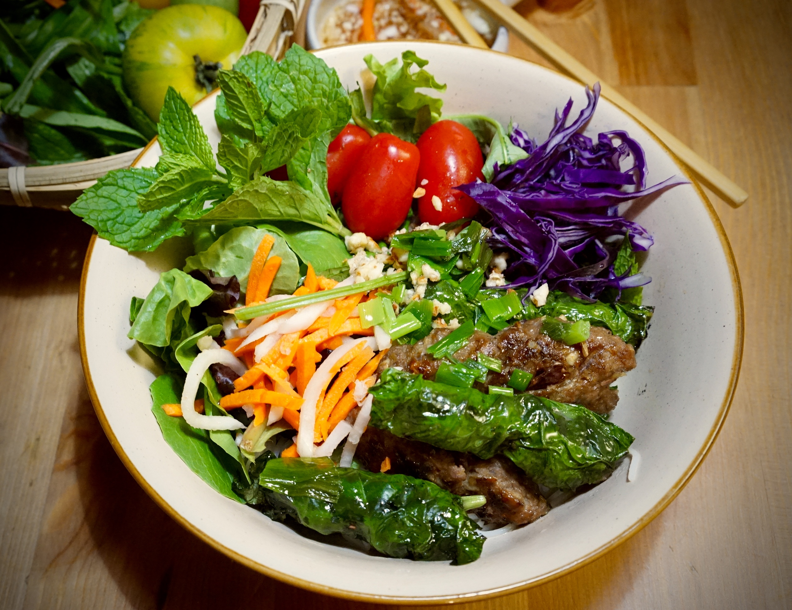 Grilled Beef Noodle Salad bowl - bo la lot - Annie's Vietnamese Food ...